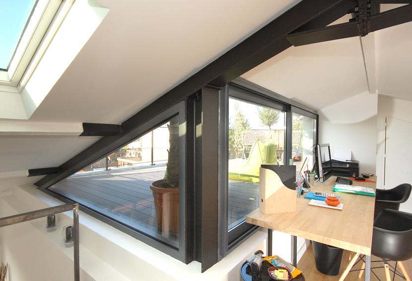 superior transformer un toit en terrasse 14 des combles et une terrasse. Black Bedroom Furniture Sets. Home Design Ideas